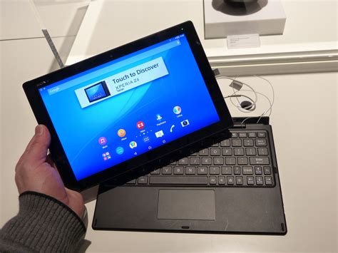 Sony Xperia Z4 Tablet and Keyboard – Ultra mobile Android