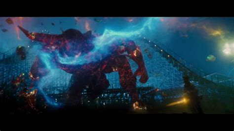 Percy Jackson Sea of Monsters Featurette (Survival Guide