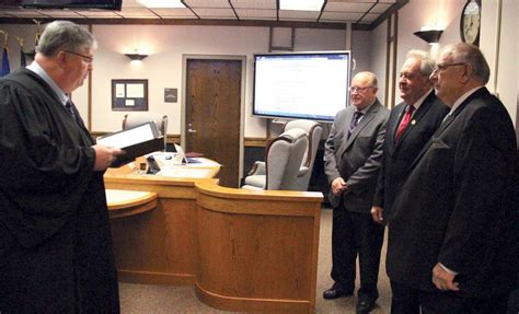 New and re-elected Polk County Commissioners sworn in